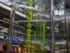 Ρολόι με περίεργο υδραυλικό μηχανισμό στο εσωτερικό του εμπορικού κέντρου Europa